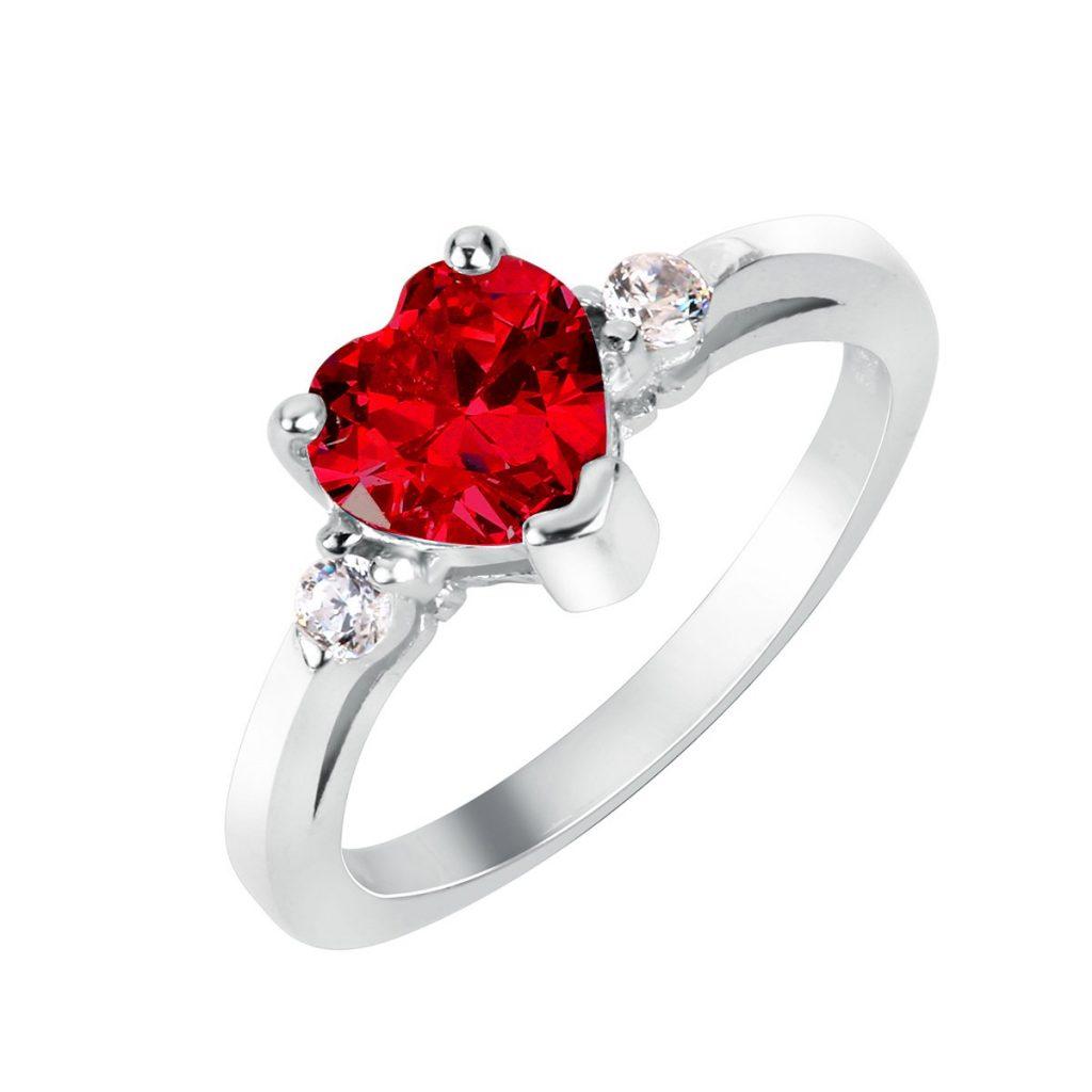 Anillo de plata esterlina corazón cubic y zirconia rojo