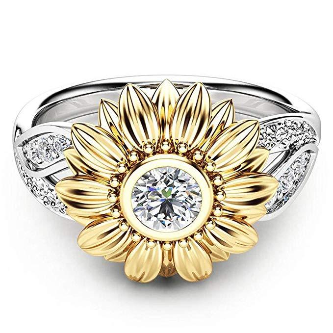 Exquisito anillo de plata con dos tonos y diseño floral
