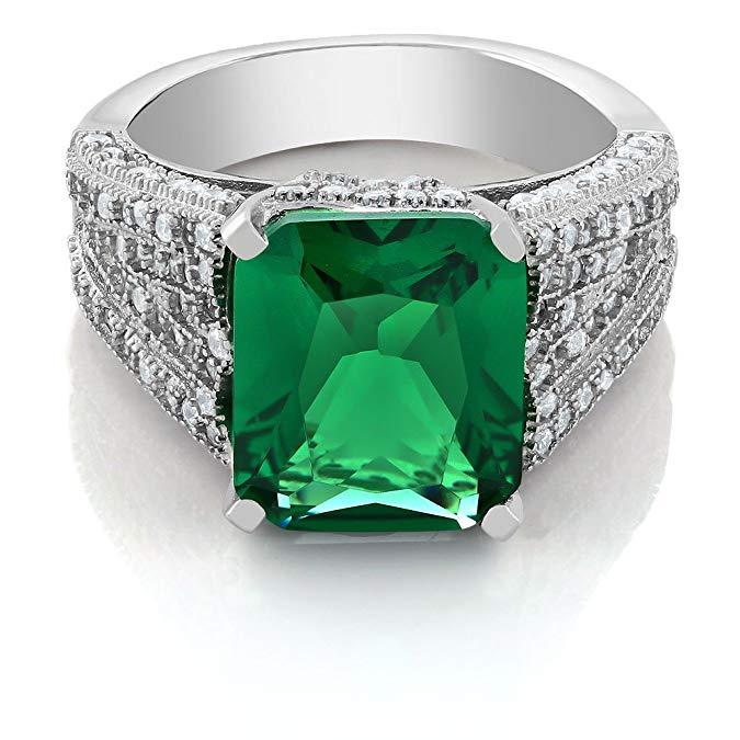 Anillo de piedras preciosas de piedra preciosa verde rey